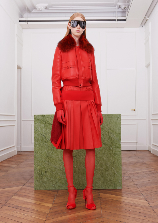 givenchy-fw17-rtw-fall-winter-2017-18-collection-all-red-outfit (9)-sunglasses-gloves-leather-jacket