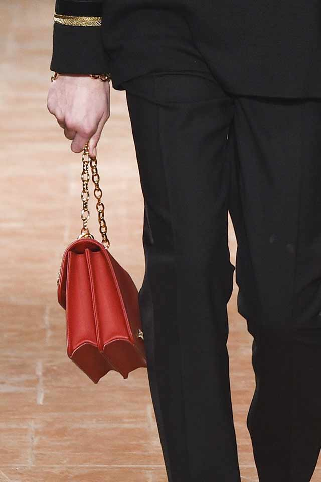 handbag-trends-for-2017-alberta-ferretti-red-bag-chain-strap
