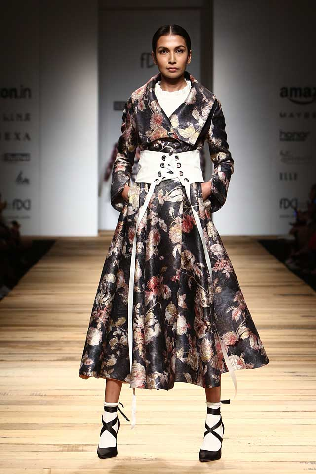hemant-and-nandita-amazon-india-fashion-week-autumn-winter-2017-collection-aifw17 (3)-floral-dress-corset-belts
