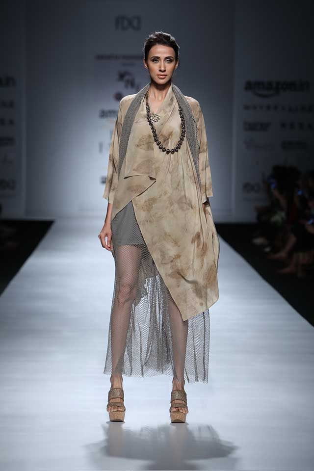 jakarta-show-amazon-india-fashion-week-indowestern-outfits (2)-sheer-dress-asymmetric-top-beads