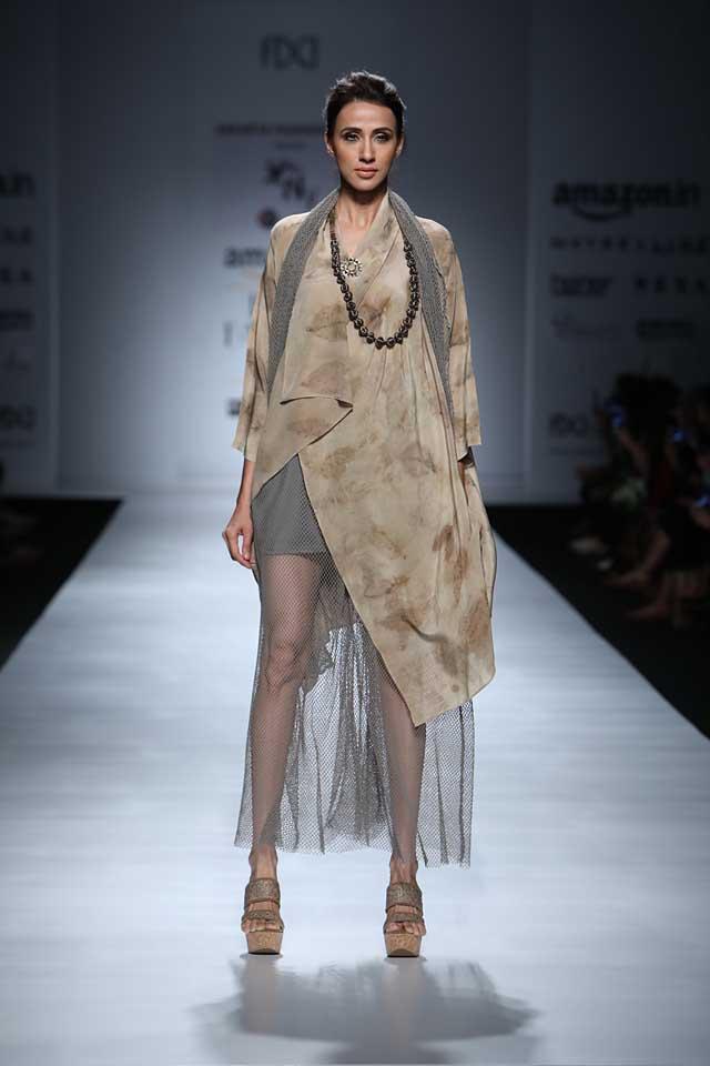 jakarta-show-amazon-india-fashion-week-indowestern-outfits (2)-sheer-dress-asymmetric-top-beads