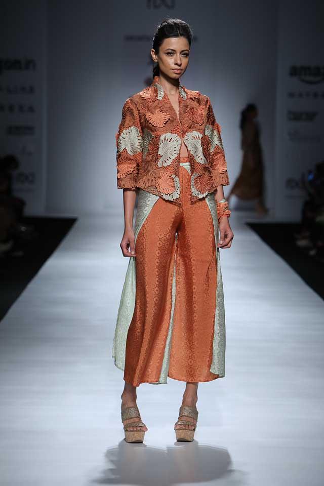 jakarta-show-amazon-india-fashion-week-indowestern-outfits (6)-orange-outfit-front-slit