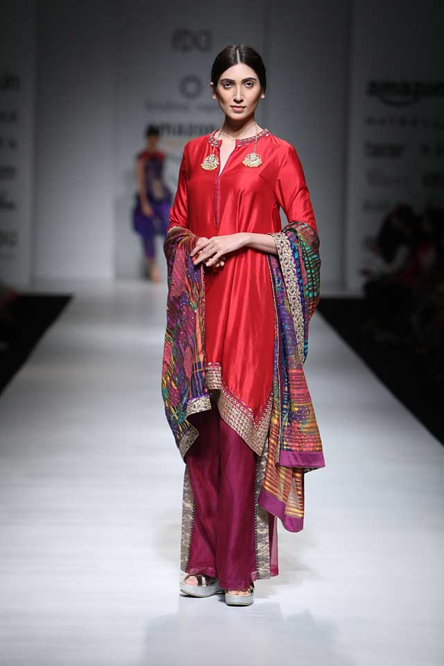 krishna-mehta-aifw-2017-fashion-show-dress-designer-indowestern-outfit (3)-red-suit-tunic