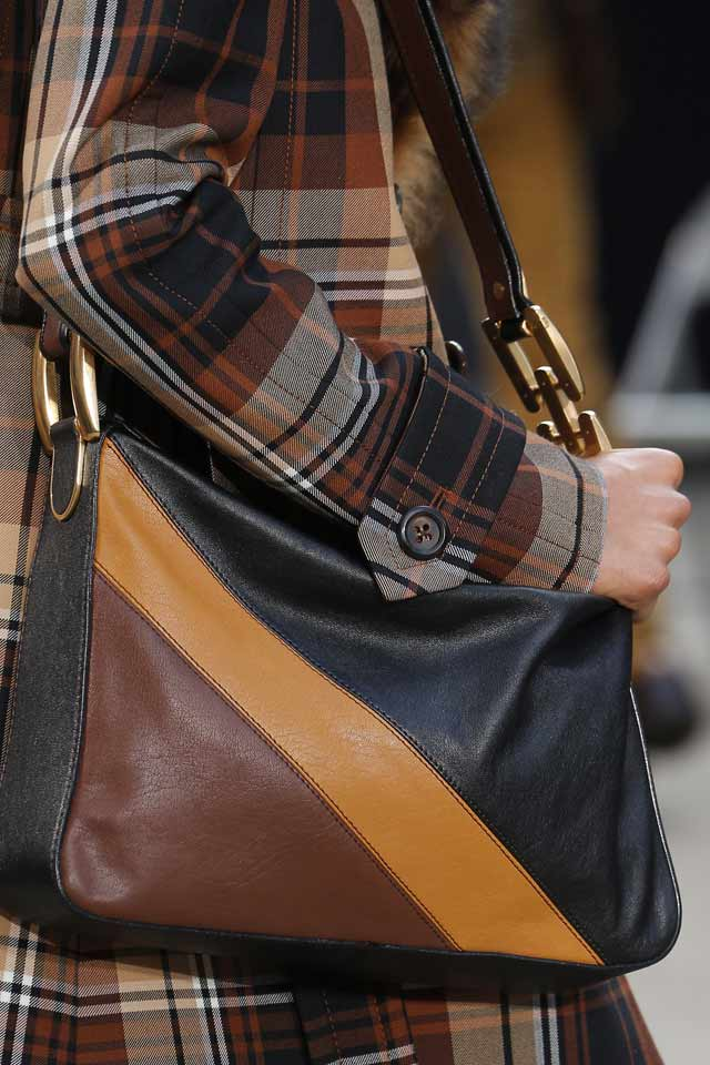 latest-fashion-in-womens-handbags-runway-trends-marc-jacobs-2017