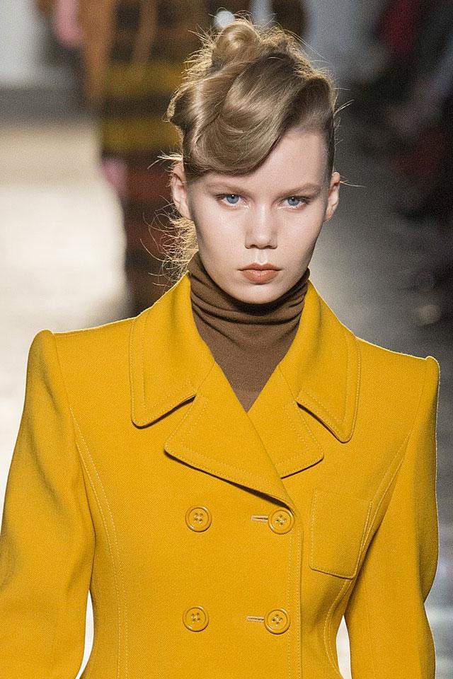 latest-fashion-week-designer-bottega-veneta-top-bun-trending-hairstyle-2017-18