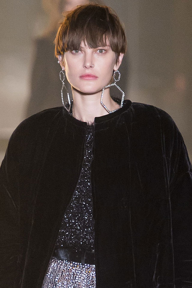 ... -isabel-marant-eyebrow-length-bangs-hairstyles-fall-winter-2017-18