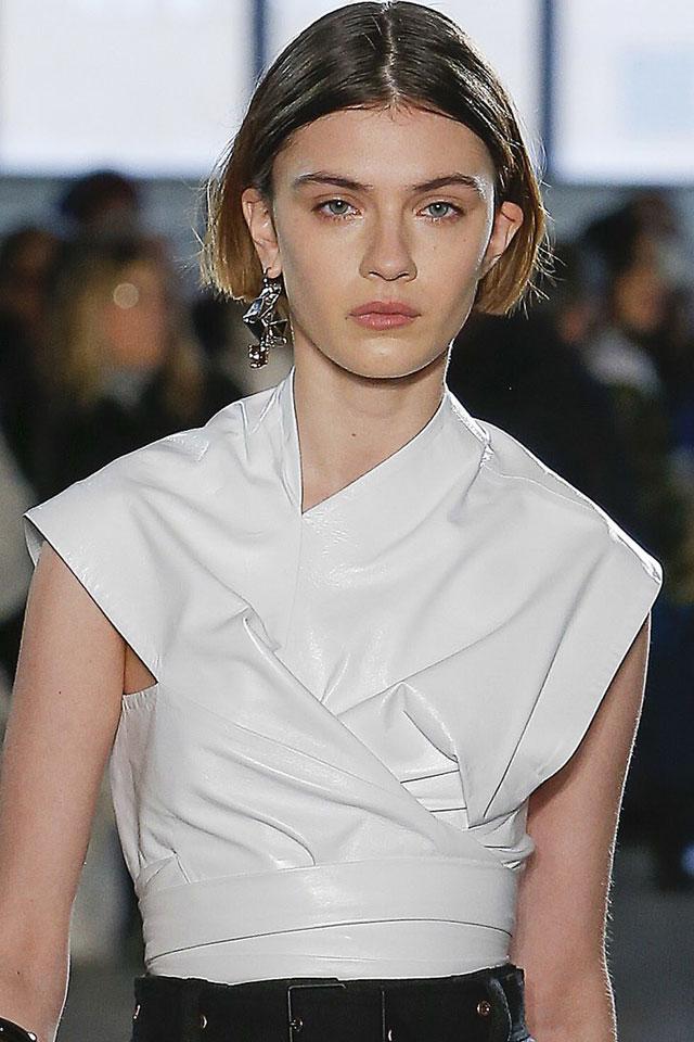latest-fashion-week-hair-trends-designer-proenza-schouler-bob-center-parted-fall-winter-2017-18