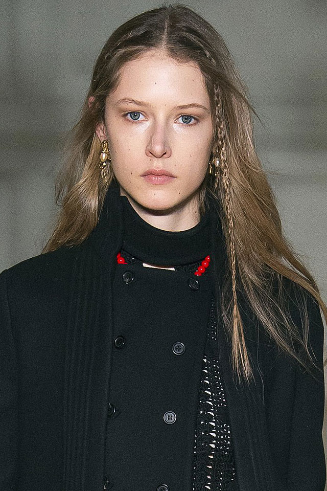 latest-fashion-week-valentino-hair-fashion-trend-fall-winter-2017-18
