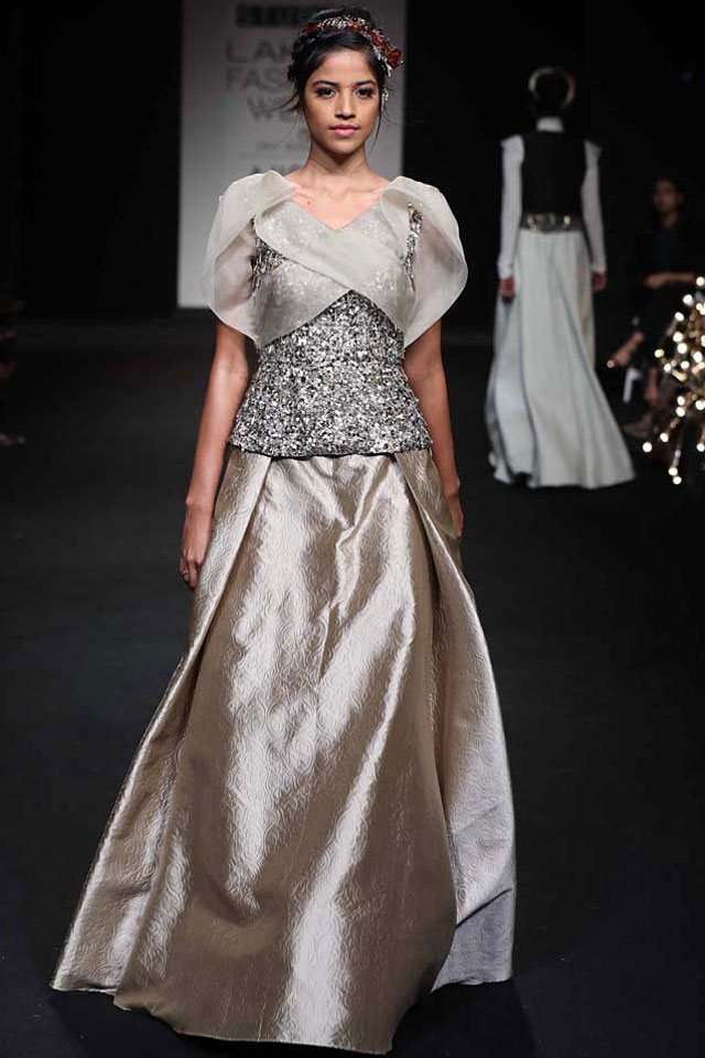 latest-indo-western-lehenga-design-style-Pinakin-grey-sequin-spring-summer-2017