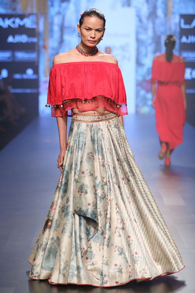 latest-indo-western-lehengas-red–off-shoulder-top-floral-lehenga-tarun-tahiliani-SS17
