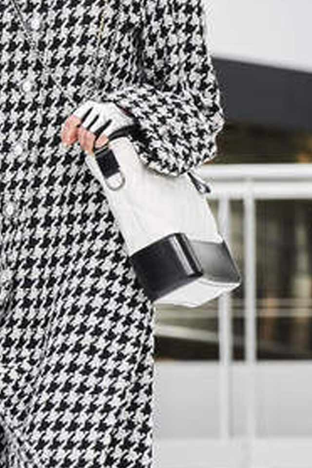 latest-trends-in-womens-handbags-2017-chanel-white-structured
