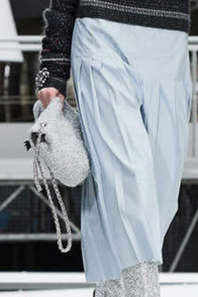 latest-trends-in-womens-handbags-2017-latest-chanel