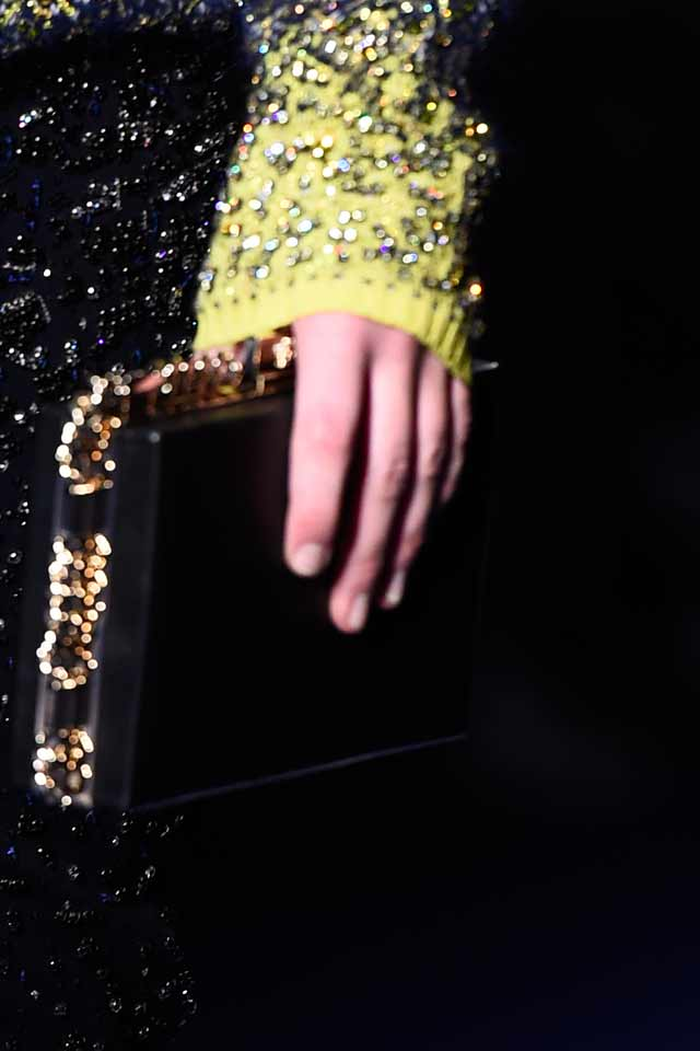 latest-trends-in-womens-handbags-2017-versace-black-clutch-glittery-chain