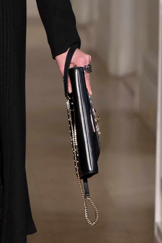 latest-trends-in-womens-handbags-valentino-gold-chain-strap-bag-2017
