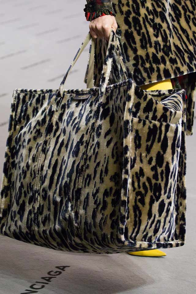 leopard-printed-bag-balenciaga-latest-trends-in-handbags-2017