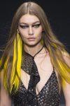 makeup-trends-fall-2017-2018-designer-versace-eye-makeup
