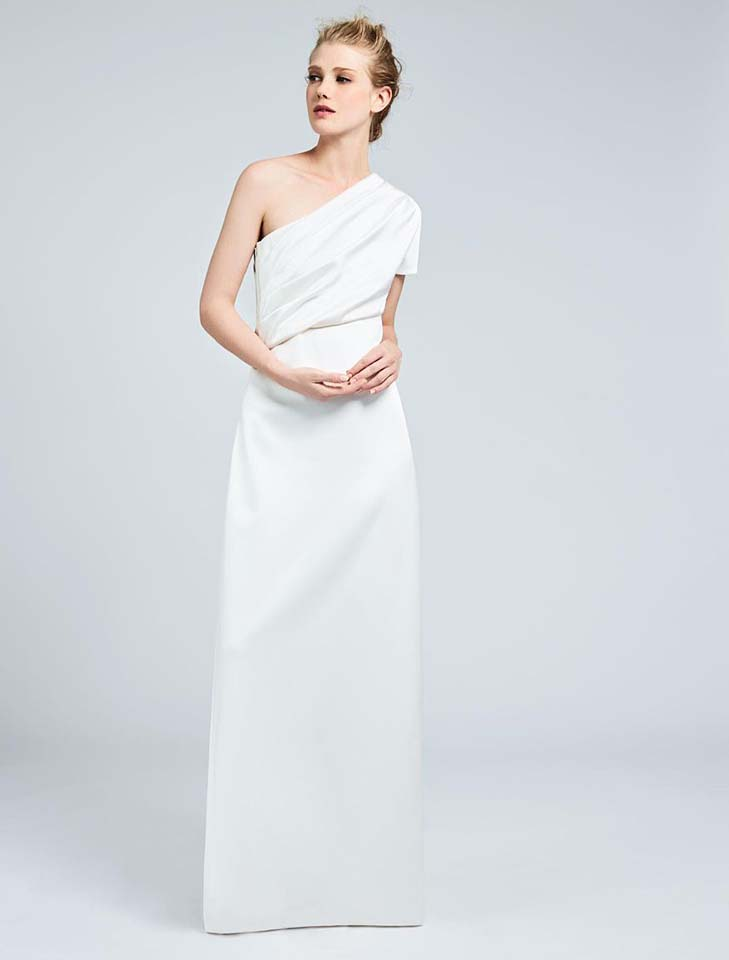 max-mara-bridal-fall-winter-2017-collection (14)-one-shoulder-white-plain-gown
