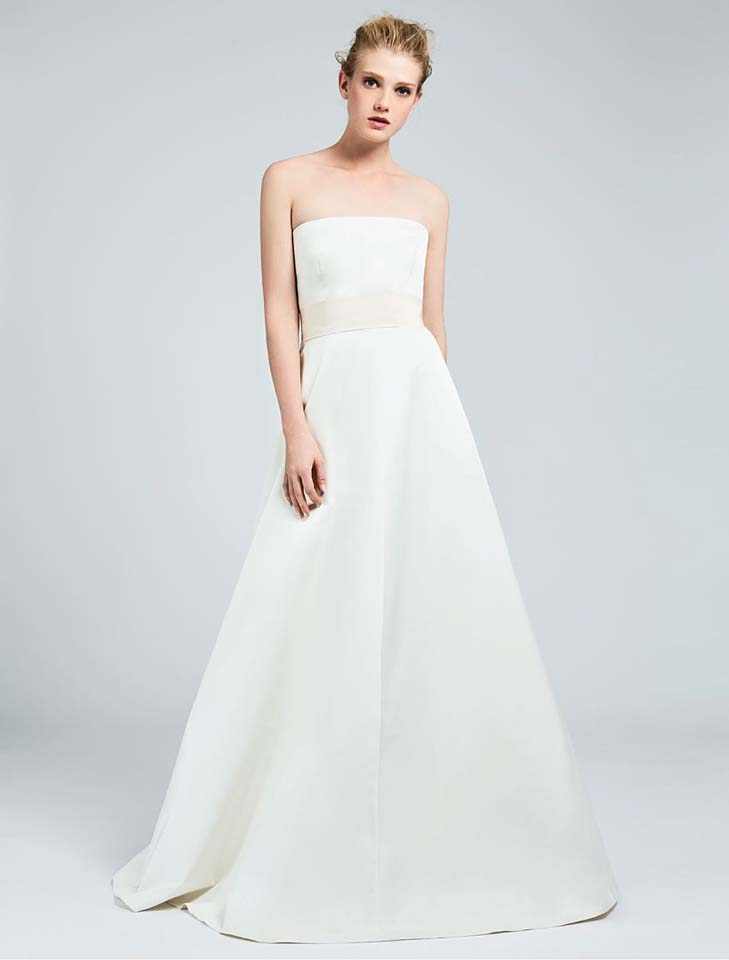 max-mara-bridal-fall-winter-2017-collection (9)-simple-elegant-white-gown