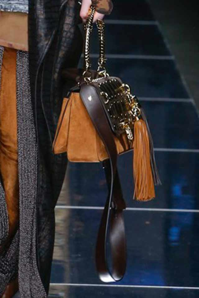 must-have-bags-2017-trendy-runway-bags-balmain-2017-brown-fringed