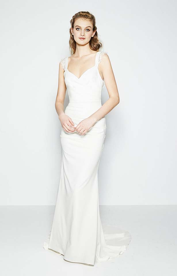 nicole-miller-fw17-fall-winter-2017-bridal-collection-beautiful-white-gowns (14)-sleeveless-white-gown