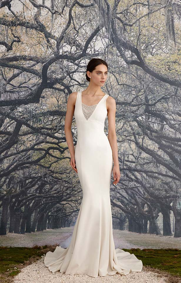 nicole-miller-fw17-fall-winter-2017-bridal-collection-beautiful-white-gowns (5)-white-gown-long-trail
