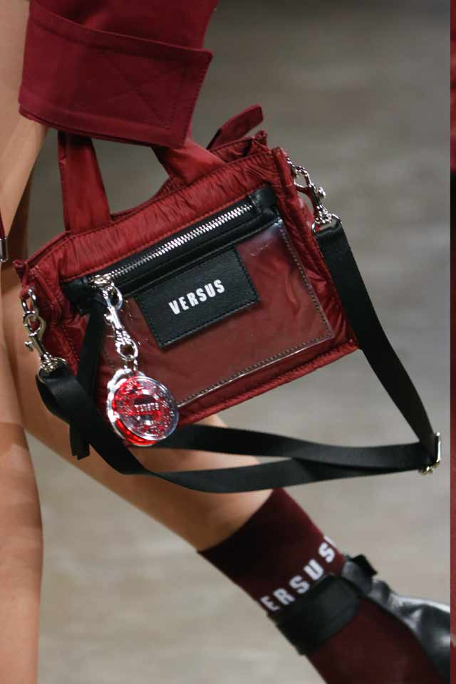 popular-trends-in-handbags-for-fall-winter-2017-versus-versace17
