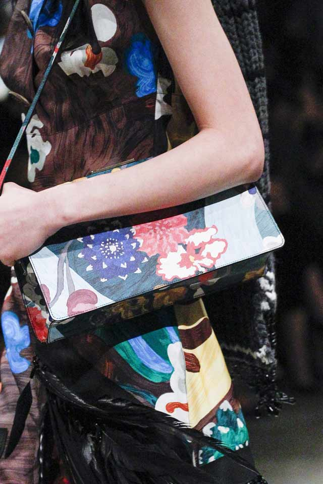 printed-art-bag-prada-runway-trends-2017-women-handbags