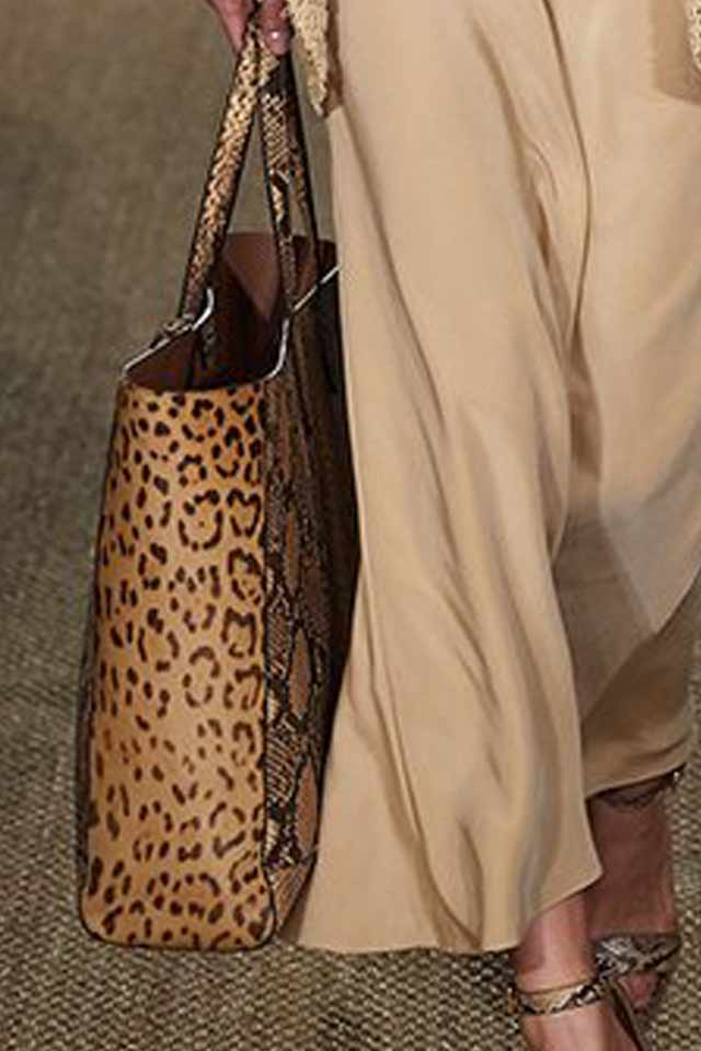 printed-handbag-trends-fall-winter-2017-brown-ralph-lauren