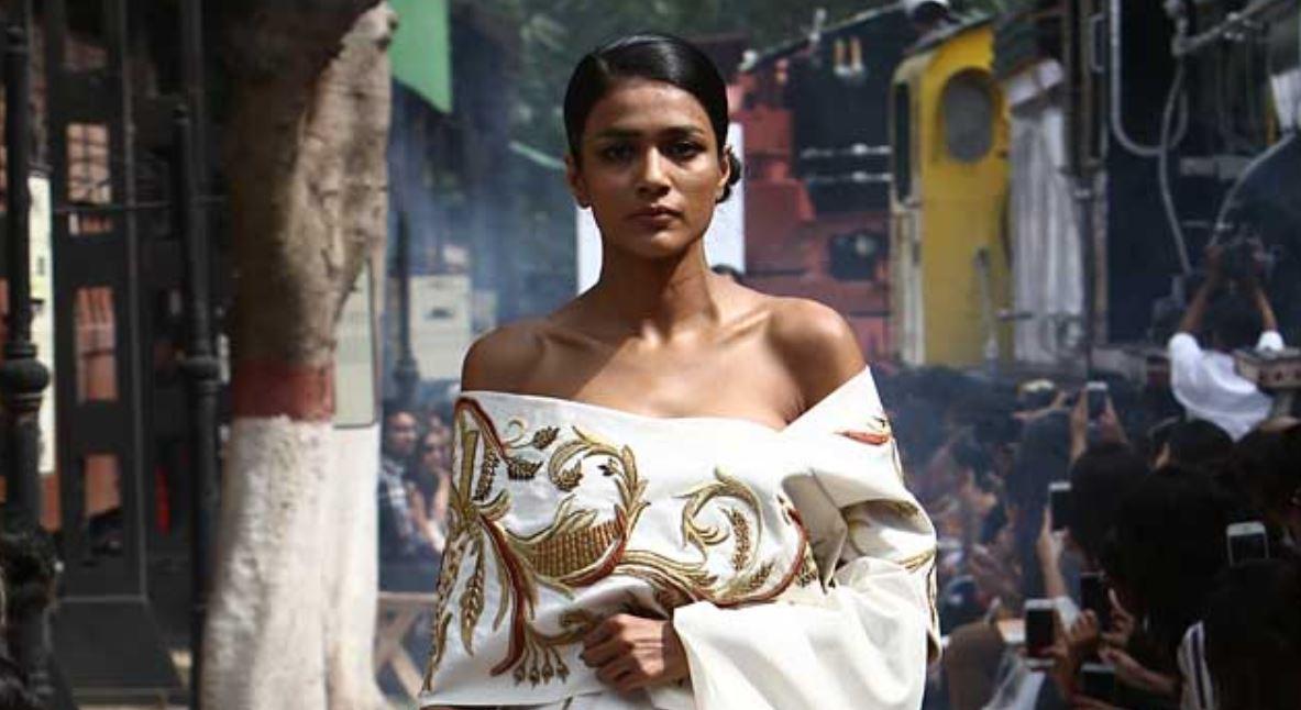 Samant Chauhan Collection-samant-chauhan-amazon-india-fashion-week-autumn-winter-2017-collection