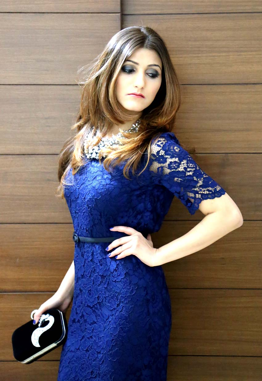 shilpa-ahuja-fashion-style-midnight-blue-dress-party-look-lace-dress-clutch
