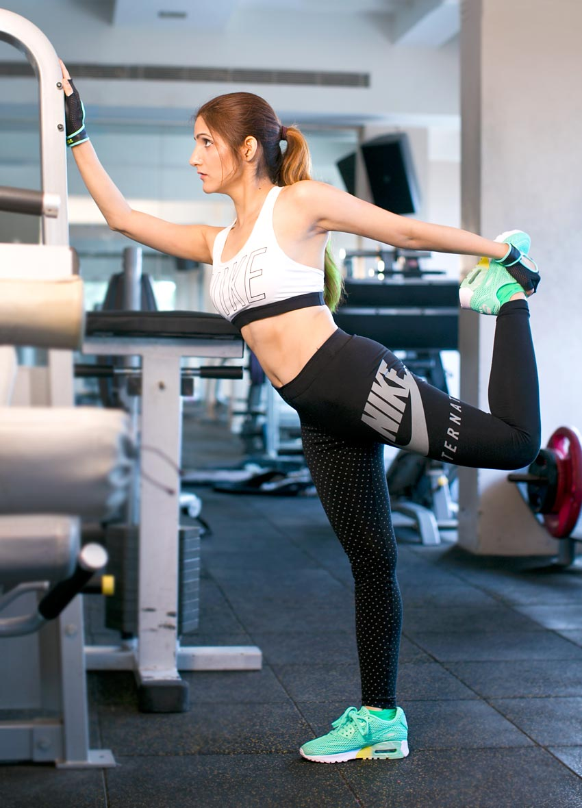 shilpa-ahuja-nike-air-max-womens-leggings-sports-bra-fitness-clothes-gym-outfit