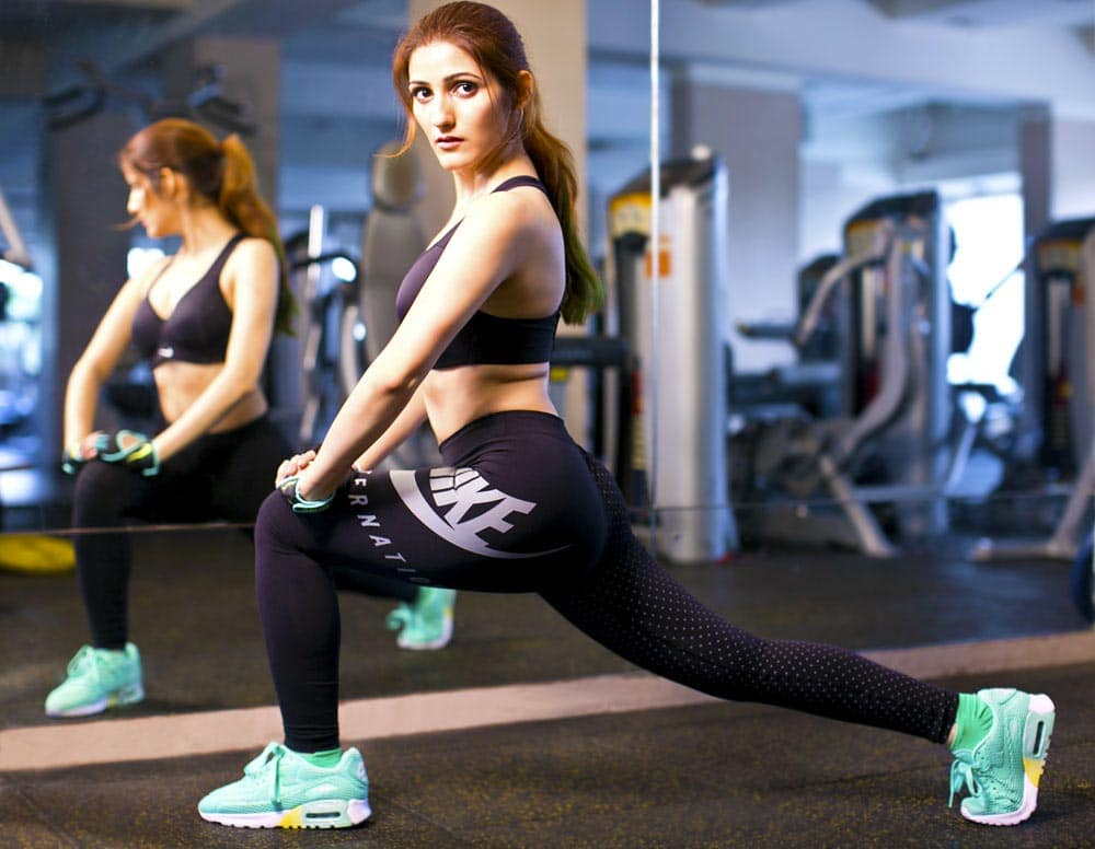 shilpa-ahuja-nike-outfit-fitness-fashion-leggings-black-gym-sexy-shoes-air-max