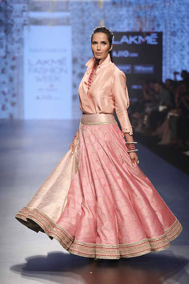 tarun-tahiliani-collection-lakme-fashion-week-pink-lehenga-shirt-indo-western-lehenga-design-SS17
