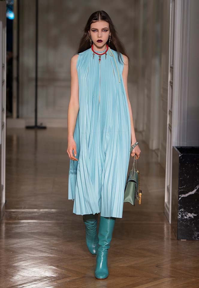 valentino-fw17-rtw-fall-winter-2017-18-collection (10)-pleated-dress-blue