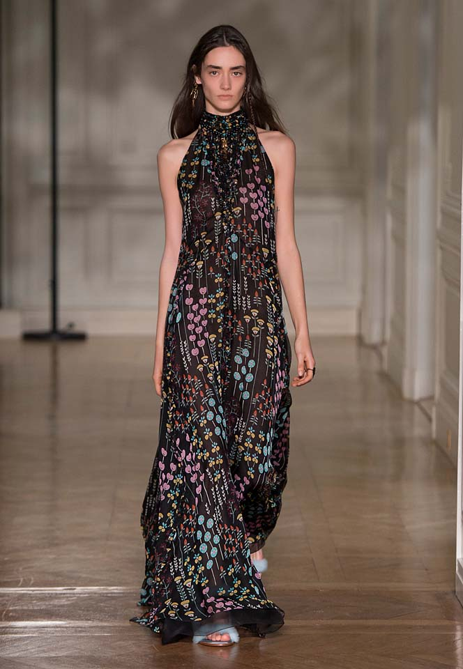 valentino-fw17-rtw-fall-winter-2017-18-collection (23)-black-printed-gown