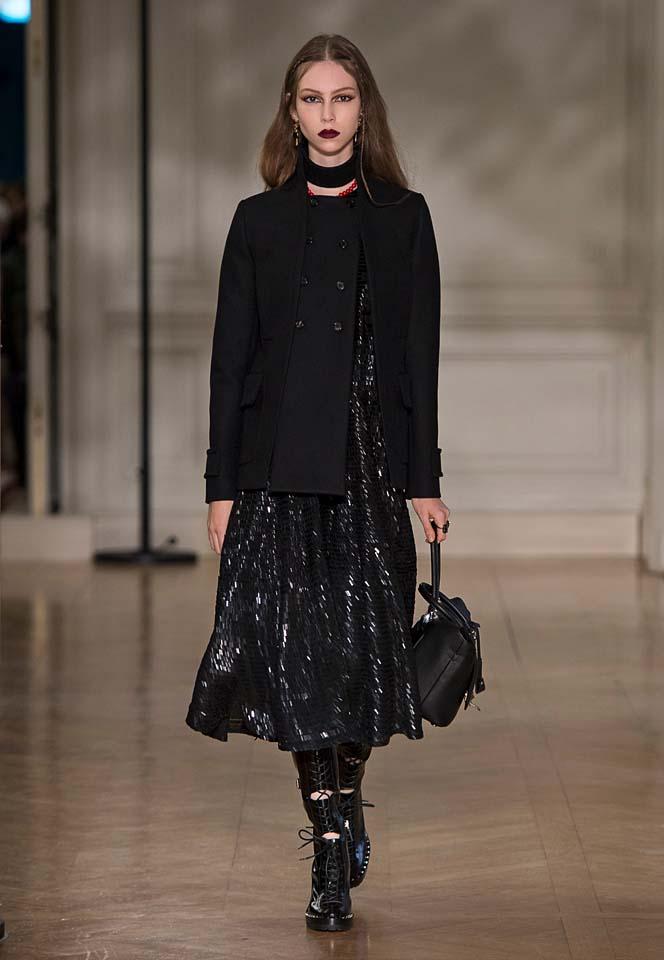 valentino-fw17-rtw-fall-winter-2017-18-collection (26)-black-shimmer-dress-slit-coat