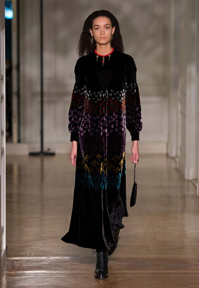 valentino-fw17-rtw-fall-winter-2017-18-collection (28)-velvet-printed-gown