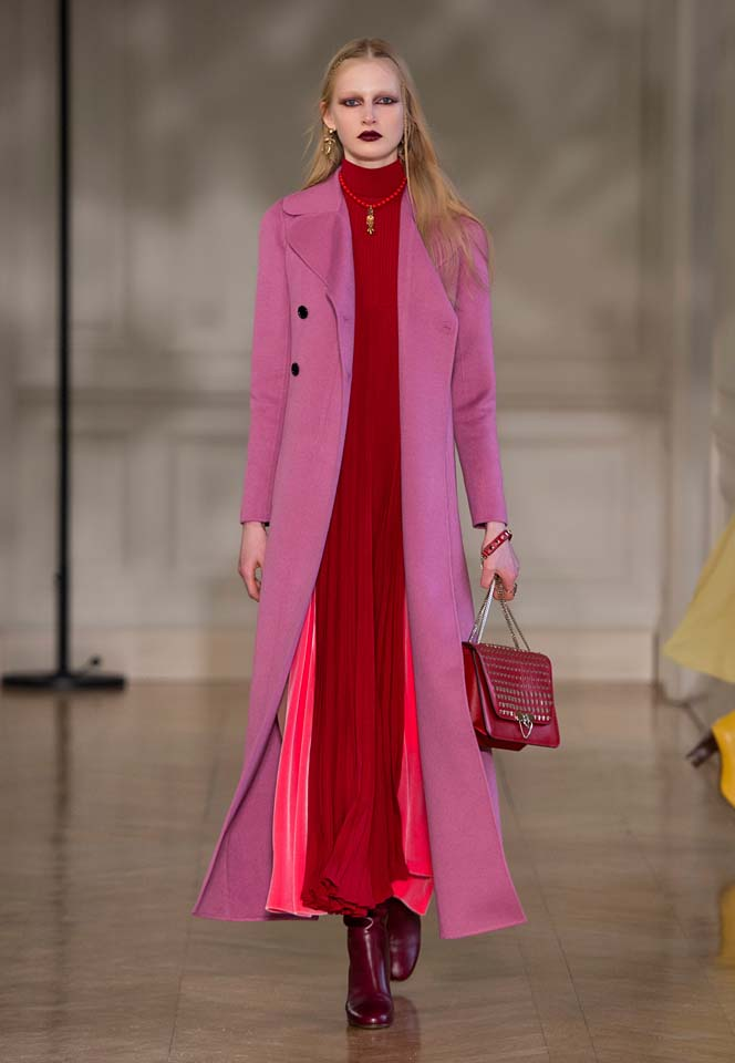 valentino-fw17-rtw-fall-winter-2017-18-collection (30)-red-pleated-gown-pink-coat