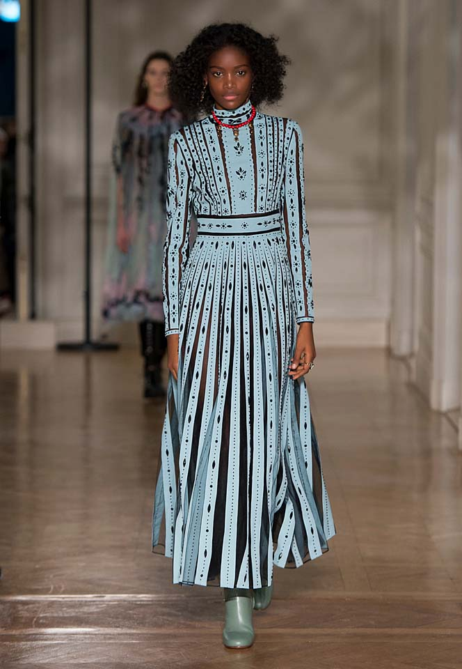 valentino-fw17-rtw-fall-winter-2017-18-collection (31)-blue-stripes-gown