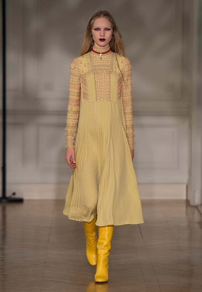 valentino-fw17-rtw-fall-winter-2017-18-collection (35)-embroidered-cream-dress-yellow-boots
