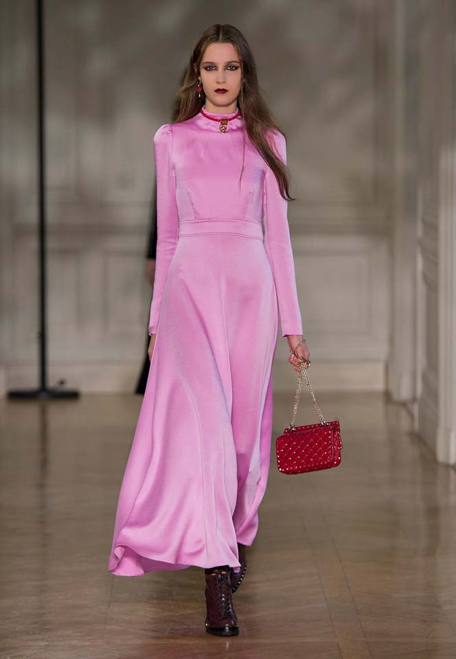 valentino-fw17-rtw-fall-winter-2017-18-collection (36)-pink-silk-dress