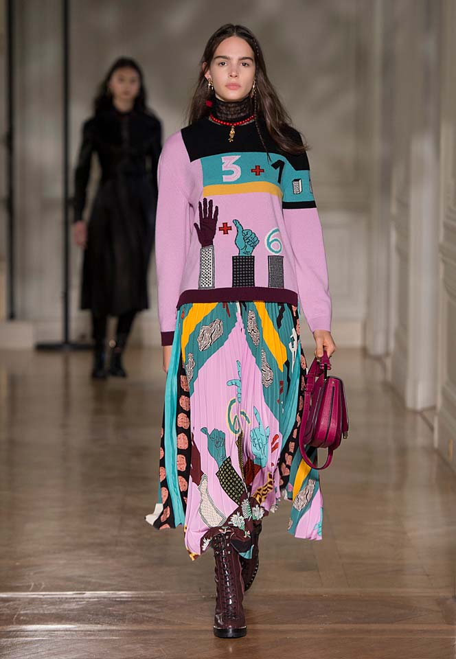 valentino-fw17-rtw-fall-winter-2017-18-collection (41)-graphic-printed-dress