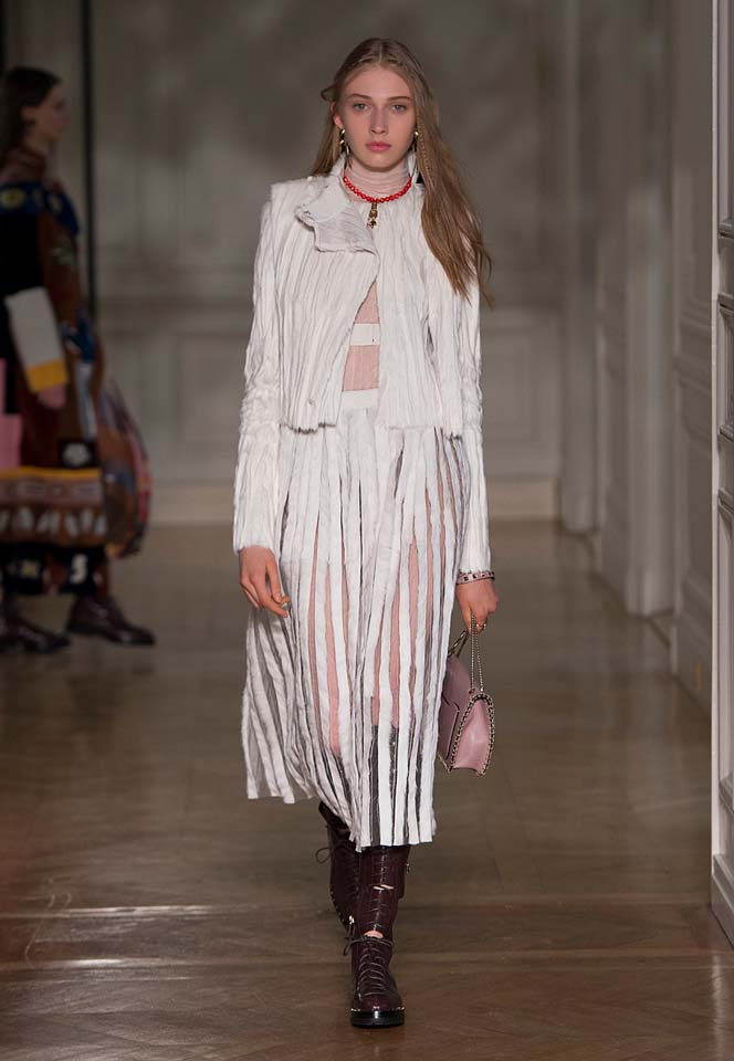 valentino-fw17-rtw-fall-winter-2017-18-collection (43)-white-sheer-metallic-dress