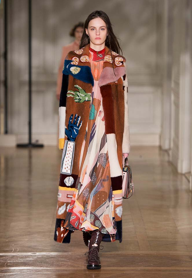 valentino-fw17-rtw-fall-winter-2017-18-collection (47)-graphic-printed-dress-coat