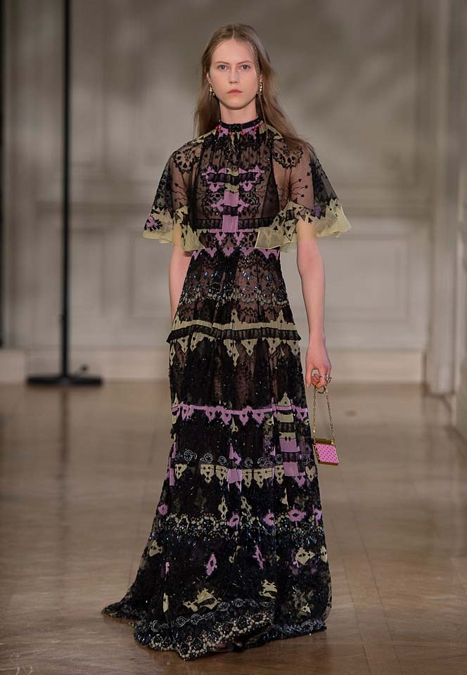 valentino-fw17-rtw-fall-winter-2017-18-collection (56)-printed-gown-cape