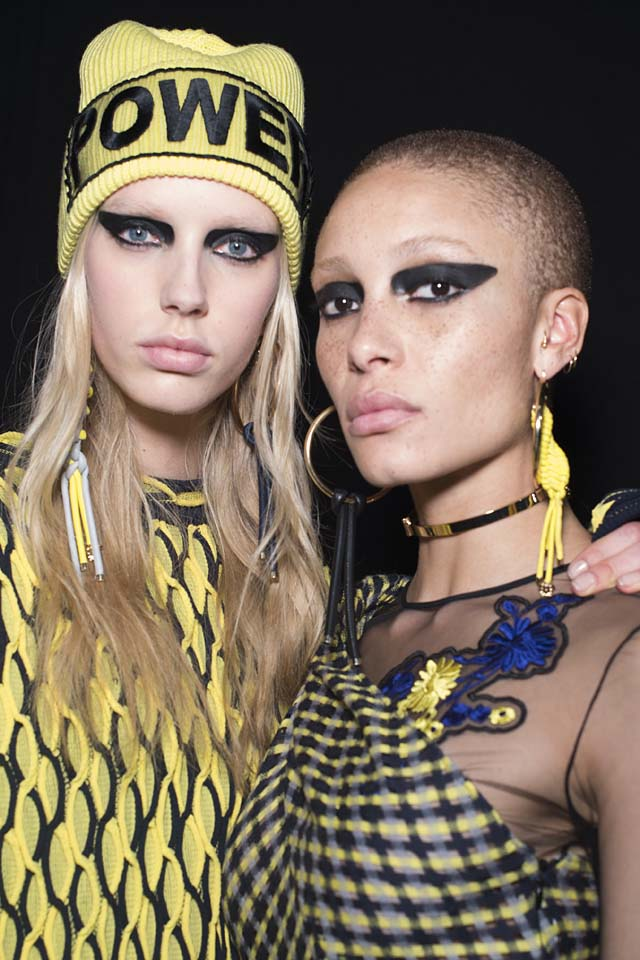 versace-fw17-rtw-fall-winter-2017-backstage-beauty-makeup-looks (12)-yellow-beanie