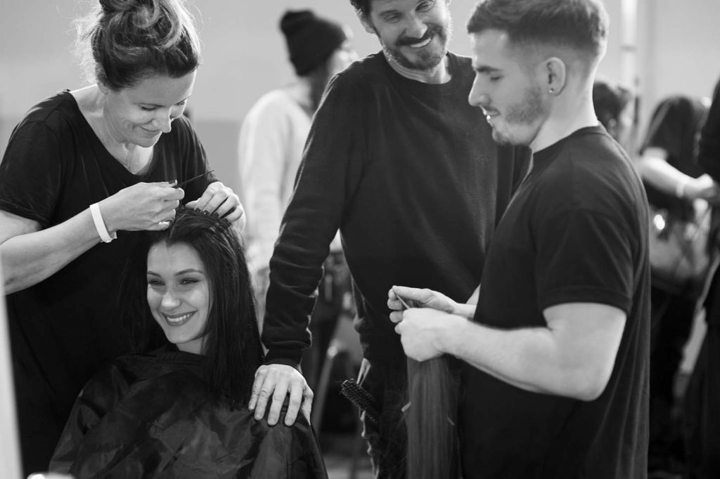 versace-fw17-rtw-fall-winter-2017-backstage-beauty-makeup-looks (164)