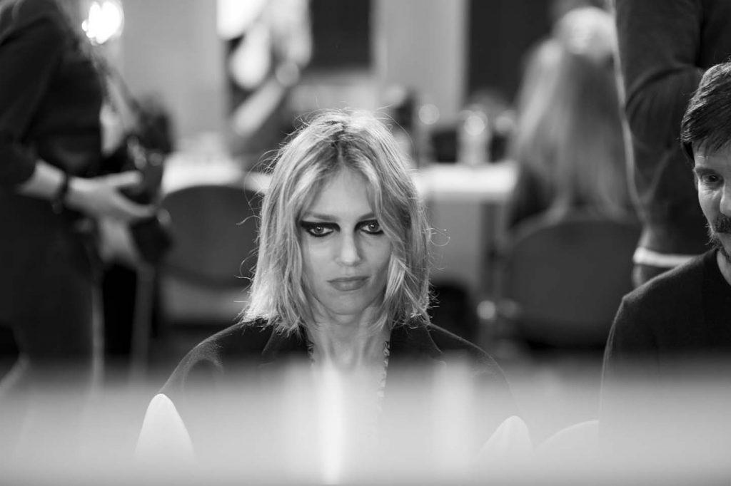 versace-fw17-rtw-fall-winter-2017-backstage-beauty-makeup-looks (176)