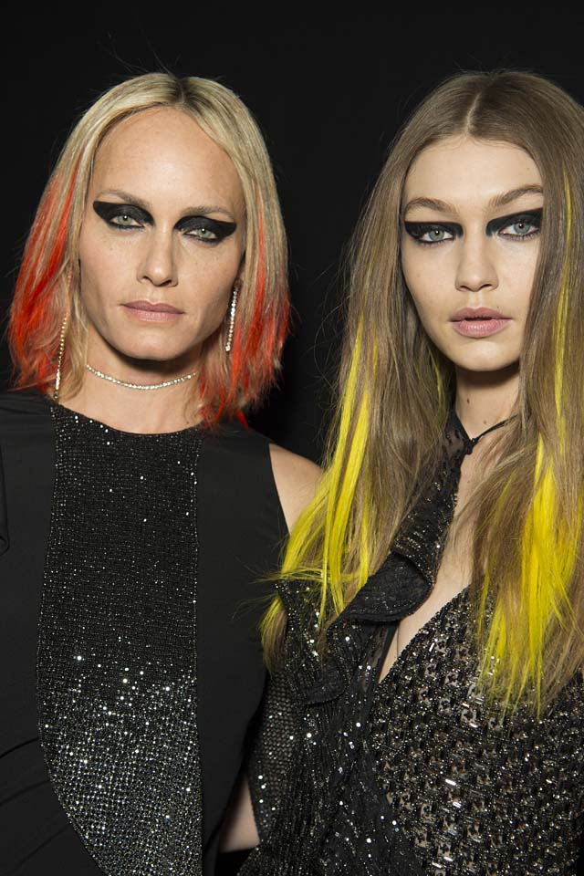 versace-fw17-rtw-fall-winter-2017-backstage-beauty-makeup-looks (2)-gigi-hadid-yellow-streaks