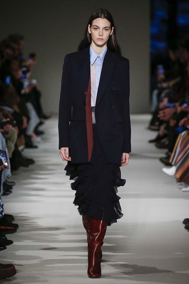 victoria-beckham-fw17-rtw-fall-winter-2017-18-collection (32)-ruffles-skirt-coat
